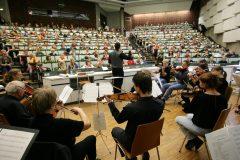 Kinder-Uni: Warum klingt Musik so schön?